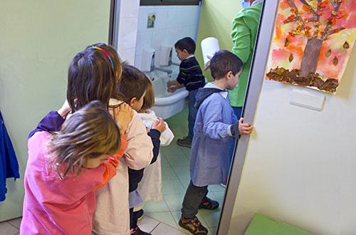 scuola infanzia s.m. grazie giochi in fila